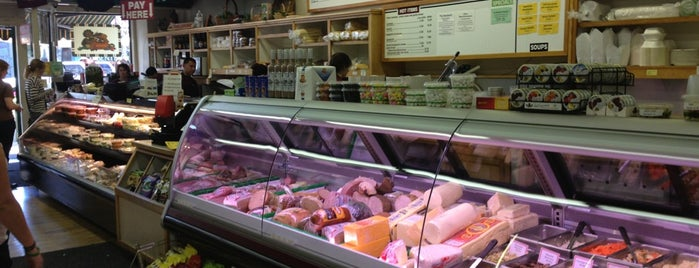 Zoccoli's Deli is one of Tried/Experienced Places.