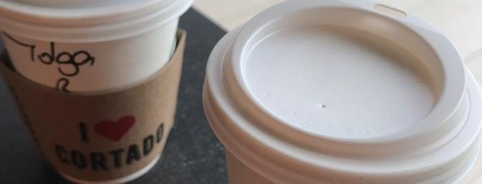 Starbucks is one of Posti che sono piaciuti a Deniz.