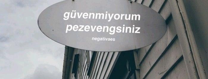 🏡 ❣️ 😍 Evim Evimm Güzel Evim 🏡 ❣️🤭😎 is one of 🎧 H  𝓐  N 𝓓  𝓐  N 💃 님이 좋아한 장소.