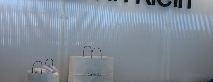 Calvin Klein Outlet is one of Lugares favoritos de Kirk.
