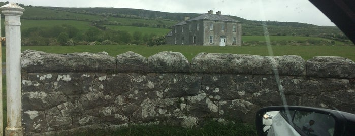 Father Ted's House is one of Lieux qui ont plu à Carl.