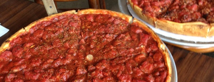 Zachary's Chicago Pizza is one of Posti salvati di Clarissa.