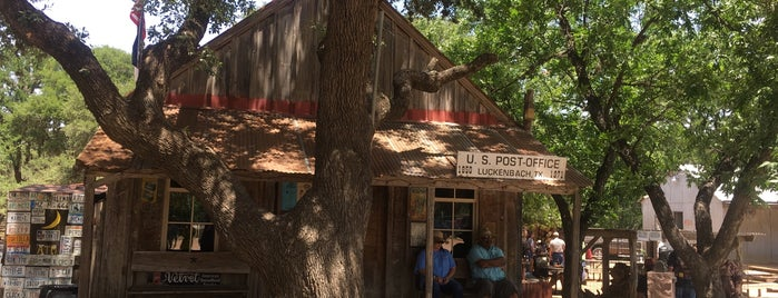 Luckenbach is one of Locais curtidos por Rita.