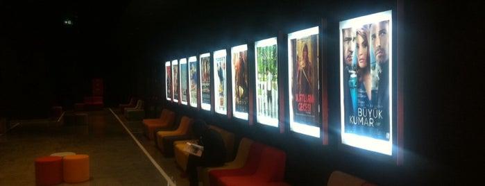 Cinepol Sinemaları is one of Locais curtidos por Onatkan.