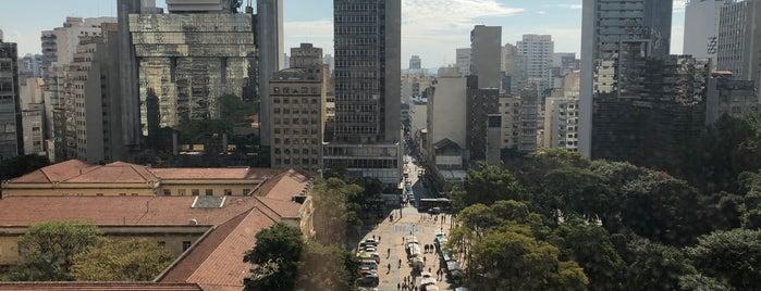 Esther Rooftop is one of Locais salvos de Camila.