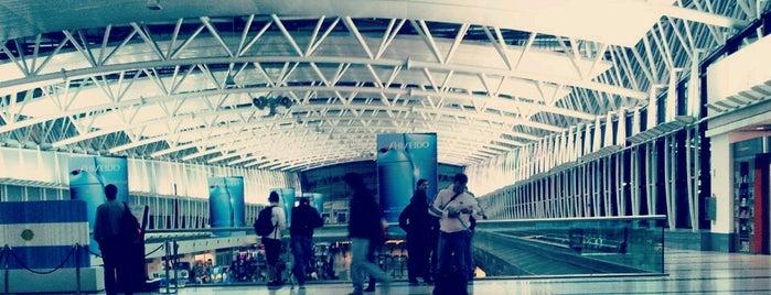 Aeropuerto Internacional de Ezeiza - Ministro Pistarini (EZE) is one of Buenos Aires Tour.