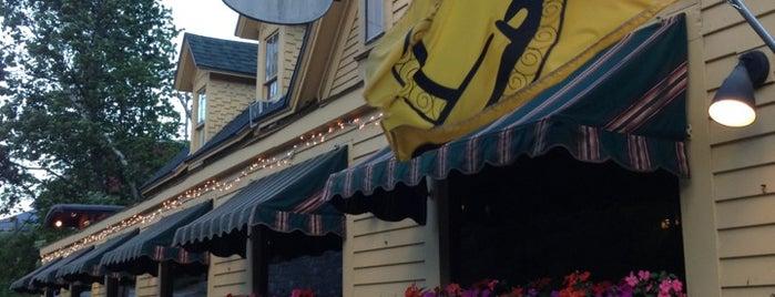 Red Parka Steakhouse & Pub is one of Locais salvos de Aksel.