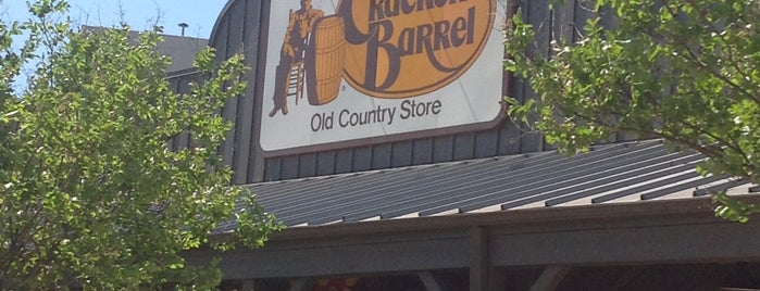 Cracker Barrel Old Country Store is one of Rachel 님이 좋아한 장소.