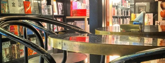 Prince Books is one of สถานที่ที่ Raíra ถูกใจ.