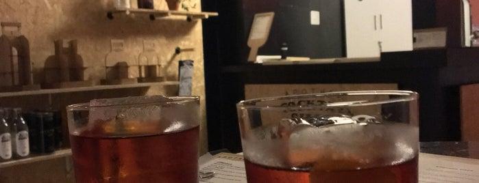 Apothek Cocktails is one of Orte, die Bruno gefallen.