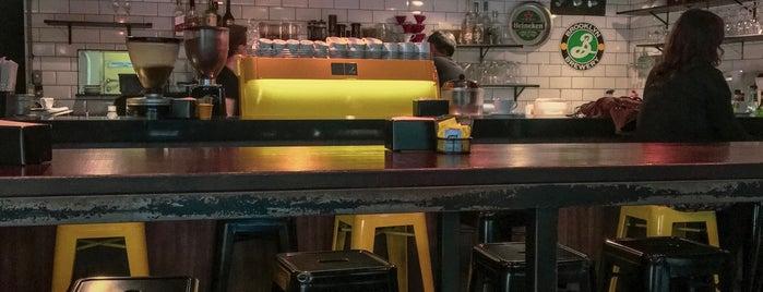 Urbe Café Bar is one of Lieux qui ont plu à MBS.
