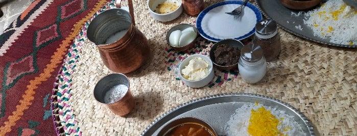 Haj Dadash Restaurant | سفره خانه سنتى حاج داداش is one of Lugares guardados de Nora.