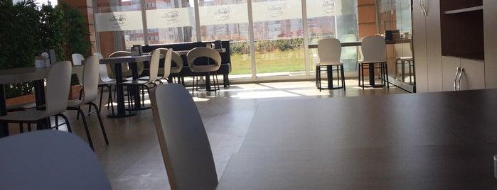 Hünkar Kahvesi cafe&bistro is one of Locais curtidos por TC Refika.