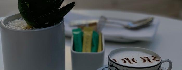 Café Dior is one of Miami 🇺🇸.