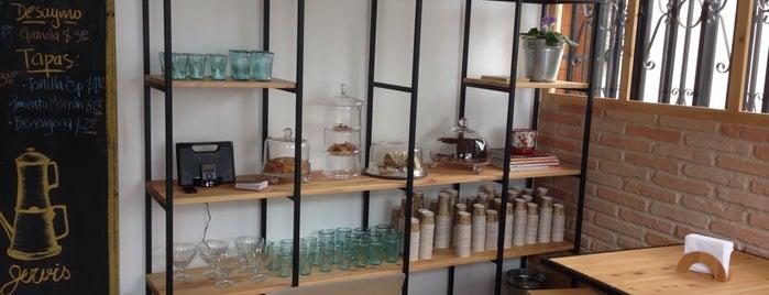 Jervis Cafe Delicatessen is one of Locais curtidos por James.