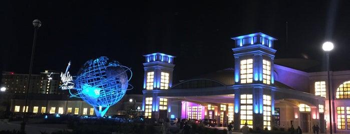 WinStar World Casino and Resort Bingo Hall is one of สถานที่ที่ Joshua ถูกใจ.