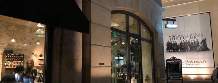 Le Labo is one of LA Top Shops.