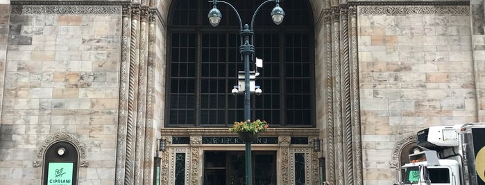 The Bowery Savings Bank Building is one of Bart Bikt: NYC.