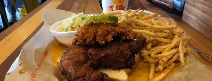 Joella's Hot Chicken- Middletown is one of TaintSmackさんのお気に入りスポット.
