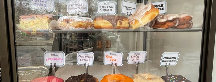 Dottie's Donuts is one of Philly 2021.