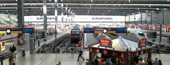 München Hauptbahnhof is one of Tempat yang Disimpan Dilara.