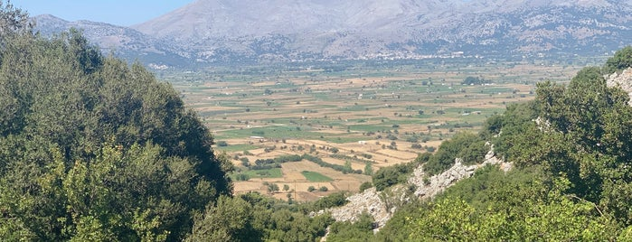 Lassithi Plateau is one of Oksana 님이 좋아한 장소.