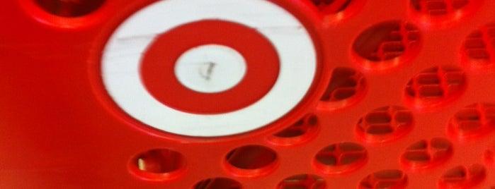 Target is one of Lugares favoritos de DJ Wolf.