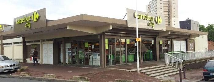 Carrefour City is one of Locais curtidos por Allison.