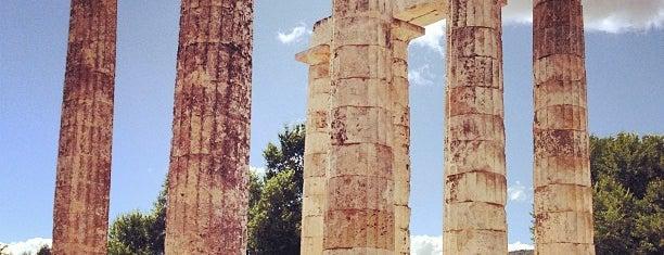 Temple of Nemean Zeus is one of Tempat yang Disukai Costas.