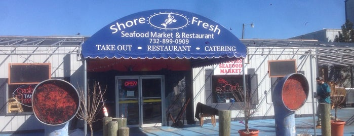 Shore Fresh Seafood Market & Restaurant is one of Locais salvos de Lizzie.