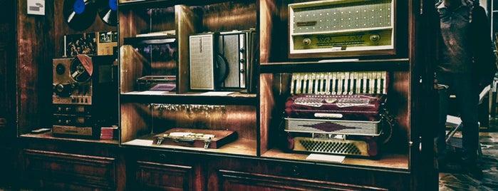 خانه موزه بتهوون - Beethoven Museum House is one of Locais salvos de Nazanin.