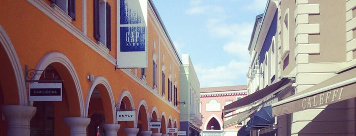 Palmanova Outlet Village is one of Alex 님이 좋아한 장소.