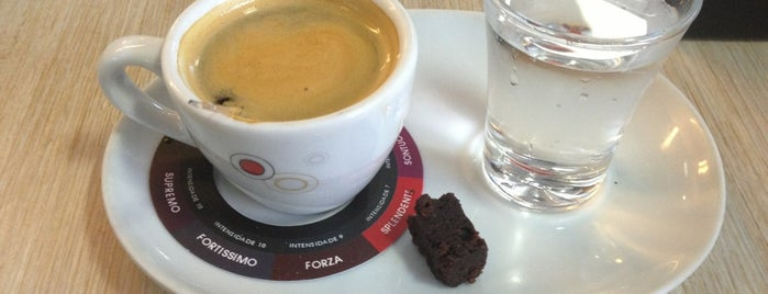 Tróia Império Gastronômico is one of Cafés.