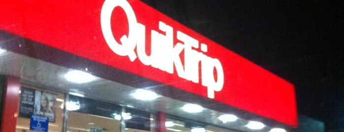 QuikTrip is one of Orte, die Zach gefallen.