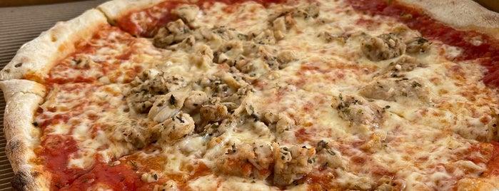 Pizzaratti is one of Tempat yang Disimpan Queen.