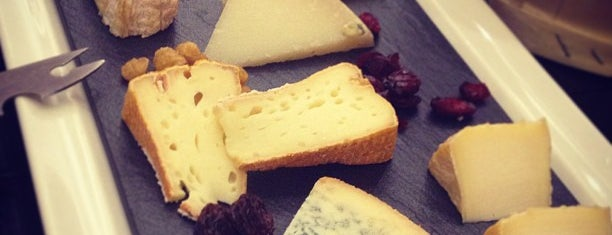 Poncelet Cheese Bar is one of Madrid: Restaurantes +.