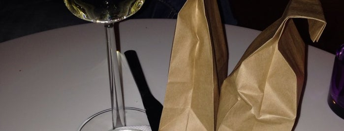 Scandic Restaurant is one of Lugares favoritos de Yanina.