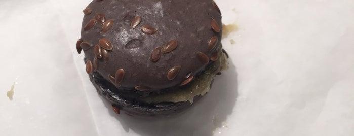 Desserts by Michael Allen is one of Kathleen 님이 좋아한 장소.