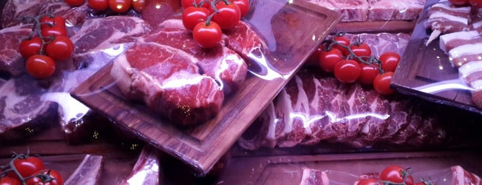 Nusr-Et Steakhouse is one of Tempat yang Disukai Kaya.