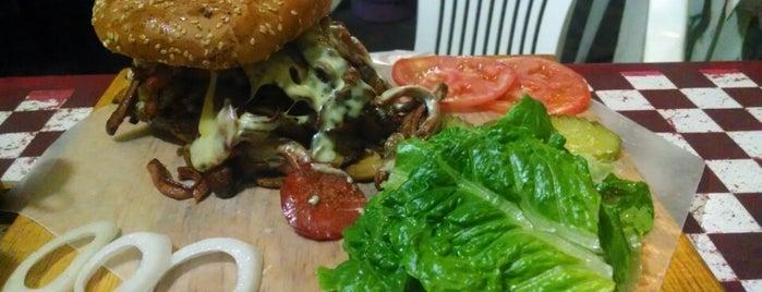 Chelas & Burgers is one of Lugares guardados de Karen.