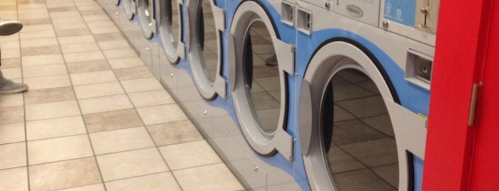 Lobo Laundry is one of Must do in Burque!.