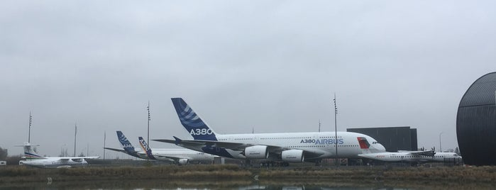 Let's Visit Airbus - Visite A380 is one of Günther 님이 좋아한 장소.