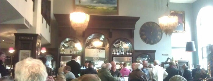 The Post And Telegraph (Wetherspoon) is one of Favorites in Brighton.