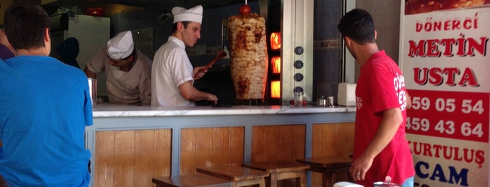 Metin Usta Döner is one of Locais curtidos por Caner.