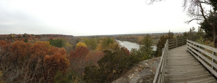 Starved Rock Overlook is one of Orte, die Dan gefallen.