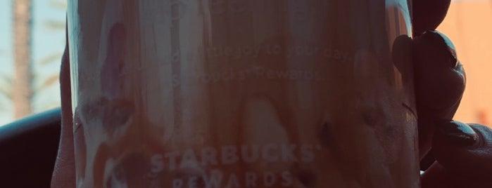 Starbucks is one of สถานที่ที่ Daniel ถูกใจ.