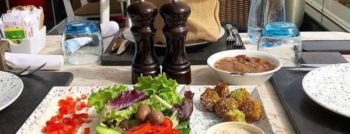 Crimson Bar & Grill is one of Hussein'in Kaydettiği Mekanlar.