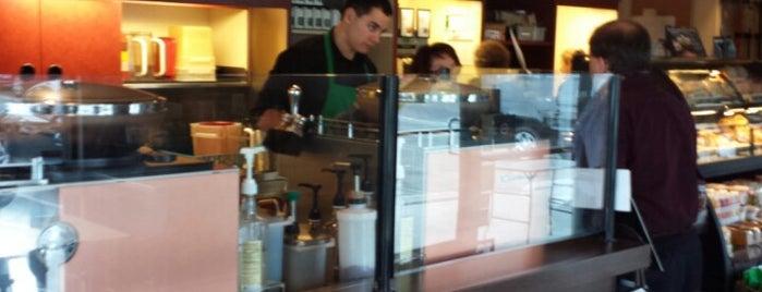 Starbucks is one of Lugares favoritos de LUIS.