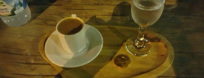 Taş Konak Cafe is one of สถานที่ที่บันทึกไว้ของ Emre.