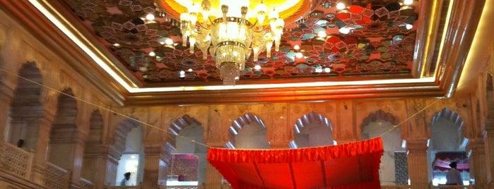 Gurudwara Sisganj Sahib | गुरुद्वारा सीस गंज साहिब is one of Locais curtidos por Swen.